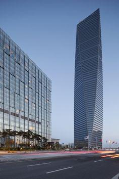 Kohn Pedersen Fox Associates: Projects: Northeast Asia Trade Tower