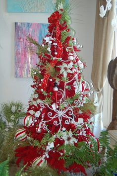 Whimsical Red & Green Christmas Tree - could make those scroll snowflakes from thick pipe cleaners! Whimsical Christmas Trees, Christmas Tree Images, Beautiful Christmas Trees, Christmas Tree Themes, Noel Christmas, Green Christmas, Holiday Tree, Rustic Christmas, Christmas Ideas