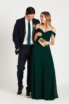 Emerald Wedding Colors, Emerald Green Bridesmaid Dresses, Emerald Green Weddings, Emerald Dresses, Long Bridesmaid Dresses, Wedding Dresses, Emerald Prom Suit, Prom Dresses, Wedding Bridesmaids