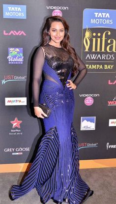 Sonakshi performed at IIFA 2014.