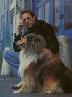 American film actor Kevin Costner with his Collie. Rough Collie, Collie Dog, Collie Puppies, Dogs And Puppies, Smooth Collie, Doggies, Kevin Costner, Celebrity Dogs, Alberto Giacometti