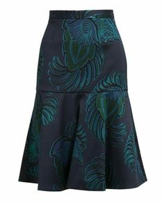modest fashion Eagle Crest Printed Wool-b - fashion Ankara Skirt, Mode Outfits, Skirt Outfits, Fashion Outfits, Fashion Fashion, African Wear, African Dress, Blouse And Skirt, Skirt Patterns