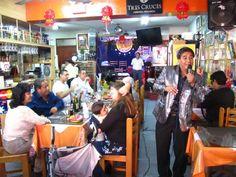 """Restaurante """"Don Ricardo"""" (El Rey de las Hueveras) en el Rimac (Lima, Perú).  http://www.placeok.com/blog/huariques-en-lima-almorzando-con-el-rey-de-las-hueveras/"""