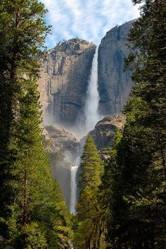Already been here but it never gets old. Absolutely gorgeous.  Yosemite Falls, Yosemite Valley, California