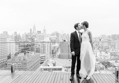 Modern New York Wedding | Photo by Heather Waraksa. #wedding #weddinginvitations #newyorkwedding