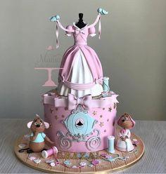 Gâteau Cendrillon – einfach so – Gâteaux Disney Pretty Cakes, Cute Cakes, Beautiful Cakes, Amazing Cakes, Crazy Cakes, Fancy Cakes, Rodjendanske Torte, Fantasy Cake, Girl Cakes