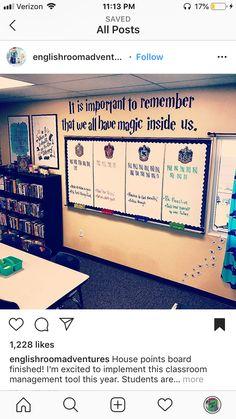 Classroom Board, Ela Classroom, Middle School Classroom, Classroom Organisation, English Classroom, Classroom Design, Future Classroom, Classroom Themes, Classroom Management