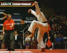"""Dal judo alla capoeira, 7 (+1) arti marziali con cui è cresciuta la """"Generazione Karate Kid""""."""