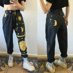 Indie Outfits, Teen Fashion Outfits, Retro Outfits, Cute Casual Outfits, Painted Jeans, Painted Clothes, Aesthetic Fashion, Aesthetic Clothes, Custom Clothes