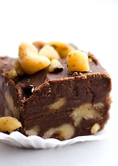 Chocolate Walnut Fudge Bites—better make a double batch of this tasty dessert recipe or it will be gone before you know it! Fudge Recipes, Candy Recipes, Chocolate Recipes, Sweet Recipes, Choco Chocolate, Dessert Recipes, Just Desserts, Delicious Desserts, Yummy Food