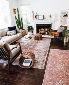 Layered and cozy eclectic living space. Boho, vintage and mid century modern accents. Layered and cozy eclectic living space. Boho, vintage and mid century modern accents. Boho Living Room, Home And Living, Living Room Decor, Small Living, Cozy Eclectic Living Room, Vintage Modern Living Room, Boho Room, Living Rooms, Living Room Oriental Rug