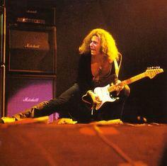 Ritchie Blackmore broken guitar neck???