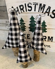 Best Indoor Garden Ideas for 2020 - Modern Fabric Christmas Trees, Black Christmas Trees, Modern Christmas, Plaid Christmas, Xmas Trees, Scandinavian Christmas, Holiday Centerpieces, Christmas Decorations, Christmas Ideas