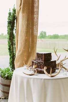 chocolate groom's cake | Kati Mallory #wedding