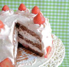 Zomerse chocolade aardbeientaart (+ review Funcakes chocoladebiscuit) - Laura's Bakery