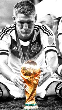 Bastian Schweinsteiger Fifa Football, Football Love, Football Is Life, Football Shirts, Germany Team, Germany Football, Bayern Munich Wallpapers, Dfb Team, Bastian Schweinsteiger