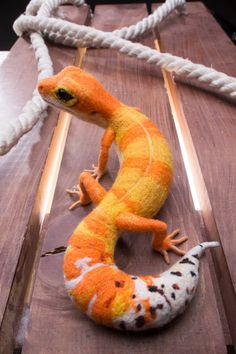 Leopard Gecko by OlgaLai Needle Felted Animals, Felt Animals, Cute Baby Animals, Needle Felting, Les Reptiles, Cute Reptiles, Reptiles And Amphibians, Leopard Gecko Cute, Cute Gecko