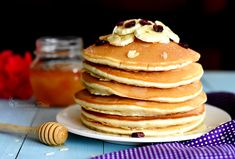 Pancakes (clatite americane) – Bucataria Talinei Donuts, Pancakes, Food And Drink, Cookies, Breakfast, Healthy, Desserts, Recipe, Life