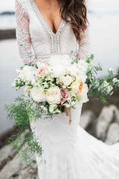 Romantic wedding bouquet: Photography: A. Fogarty - https://www.afogartyphotography.com/