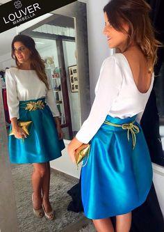 Ideal combinación de nuestra blusa Beatriz con falda Fedra. Completamos el look con un llamativo cinturón de hojas de parra en color dorado. Disponible en nuestro showroom!