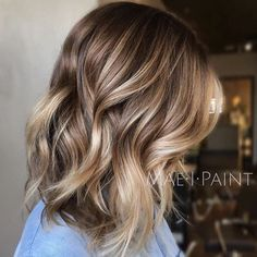 Brown to caramel, balayage, ombre, long bob. when i see all these fall hair colors for brown blonde balayage carmel hairstyles it always makes me jealous i wish i could do something like that I absolutely love this fall hair color for brown blonde balayage carmel hair style so pretty! Perfect for fall!!!!!