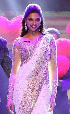 Deepika Padukone in white saree Indian Attire, Indian Wear, Indian Dresses, Indian Outfits, Deepika Padukone Saree, Sonakshi Sinha, Kareena Kapoor, Divas, White Saree