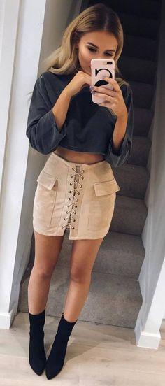 outfit idea top + skirt + heels