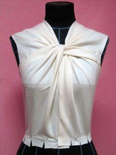 #Moulage #Draping #FabricsManipulation #CoutureTechniques