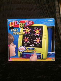 LITE BRITE Flat Screen Light Bright Battery Powered Hasbro 2003 Yellow #Hasbro