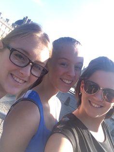 Sisters! #Paris #sun