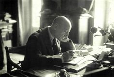 """Stringiti a me"": la meravigliosa poesia di Gabriele D'Annunzio 