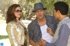 Booth and Brennan went undercover as Tony and Roxie to catch a killer at a marriage retreat. Action Tv Shows, Booth And Brennan, Bones Tv Show, Marriage Retreats, All Tv, Emily Deschanel, David Boreanaz, Cheating, Movies