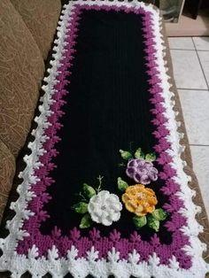 Você que ama Crochê não pode deixar de conferir esses Belíssimos trabalhos. Um arraso! Crochet Tablecloth Pattern, Crochet Patterns, Crochet Home, Crochet Crafts, Birthday Wishes For Son, Handbag Tutorial, Crochet Ruffle, Learn To Crochet, Decoration