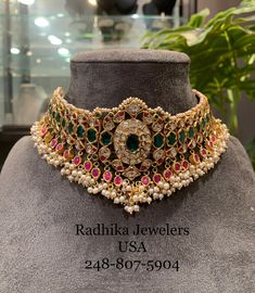 kundan choker studded with Emerald Rubies Uncuts and pearls .For full product details pls whats app at 20 July 2019 kundan choker studded with Emerald Rubies Uncuts and pearls .For full product details pls whats app at 20 July 2019 Antique Jewellery Designs, Gold Jewellery Design, Gold Jewelry, Gold Necklaces, Trendy Jewelry, Fashion Jewelry, Indian Wedding Jewelry, Bridal Jewellery, Schmuck Design