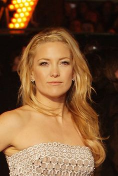 Red carpet hairstyle. curls with front braid - Kate Hudson. Celebrity hairstyle