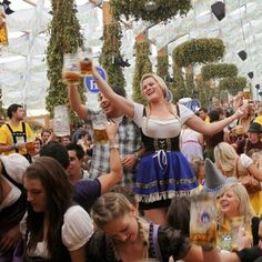 Oktoberfest in Munich German Oktoberfest, Oktoberfest Party, Munich Oktoberfest, Beer Festival Outfit, October Festival, Beer Maid, Beer Girl, Festivals Around The World, German Beer