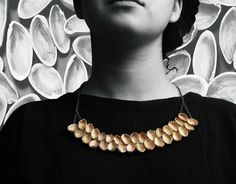 Make A Simple And Natural Necklace