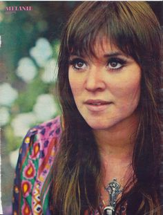 Melanie - I'll go get my rollerskates, baby. 1970s Music, Folk Music, Hippie Woodstock, Joan Baez Woodstock, Beautiful Voice, Beautiful People, Beautiful Women, Melanie Safka, Rock And Roll History