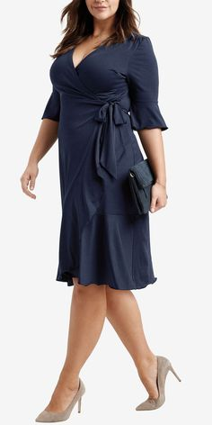 36 Plus Size Wedding Guest Dresses with Sleeves - Alexa Webb The Effective Pictures We Offer You About Plus Size Outfits with jeans A quality picture can tell you many things. You can find the most be Plus Size Wedding Guest Dresses, Plus Size Dresses, Plus Size Outfits, Curvy Girl Fashion, Plus Size Fashion, Fashion Black, Petite Fashion, Fall Fashion, Style Fashion