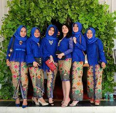 Kebaya Kebaya Lace, Batik Kebaya, Blouse Batik, Batik Dress, Kebaya Kutu Baru Modern, Beach Wedding Bridesmaid Dresses, Wedding Hijab, Model Kebaya Modern, Hijab Dress Party