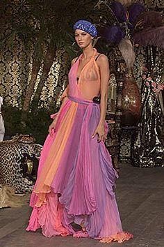 Dolce & Gabbana Fall 2000 Ready-to-Wear Fashion Show
