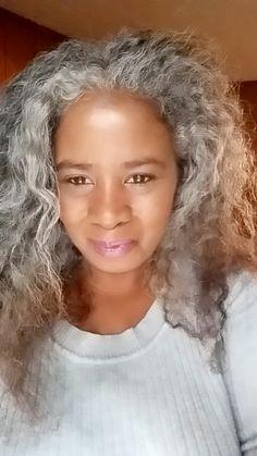Long Silver Hair, Long Gray Hair, Natural Hair Tips, Natural Hair Styles, Marley Crochet Braids, Silver Haired Beauties, Grey Hair Inspiration, Gray Hair Growing Out, Transition To Gray Hair