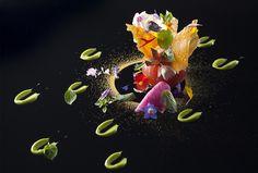 Simone Cantafio | I pomodori farciti di mozzarella di Hokkaido, crema al pesto e polvere d'agrumi | Ristorante Michel Bras Toya Japon