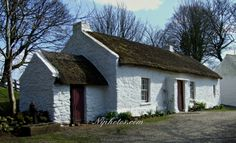 Thatched farmhouse at Ulster American Folk Park, near Omagh, County Tyrone, Northern Ireland.