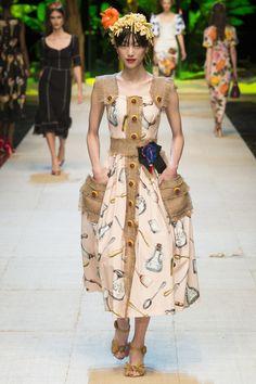 ENHANCE U FASHION DETAIL Dolce & Gabbana | Milan Fashion Week | Spring 2017 Runway Designers