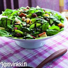 Savujuustosalaatti Sprouts, Green Beans, Spinach, Vegetables, Eat, Food, Waiting, Christmas, Xmas
