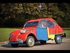 1938 Citroen 2CV6 Picasso by Andy Saunders