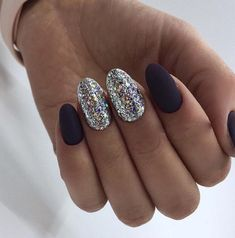 Nail Art Dark nails, Multi-color nails, Silver nails, Two color nails Black Coffin Nails, Black Nail Art, Silver Nails, Dark Nails, Two Color Nails, Nail Colors, Black Nail Designs, Best Nail Art Designs, Easy Nail Art