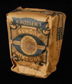pakje tabak van Van Rossem, productnaam Sunday Mixture