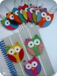 The best DIY projects & DIY ideas and tutorials: sewing, paper craft, DIY. DIY Gifts & Wrap Ideas 2017 / 2018 These sweet little, felt owls make lovely book marks or keep your book closed in your bag so the pages don't get Kids Crafts, Owl Crafts, Diy And Crafts, Craft Projects, Sewing Projects, Arts And Crafts, Adult Crafts, Felt Projects, Diy Marque Page